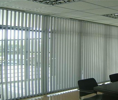 济南某银行会议室 竖卷帘工程